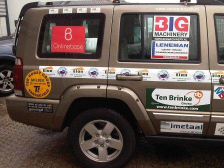 foto van Team Elan auto met OLB logo er op